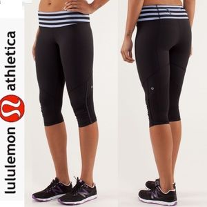 Lululemon Run For Your Life Crop Black /Sea Stripe